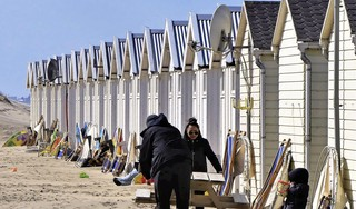 Katwijk schrapt dit jaar huurverhoging voor uitbaters strandhuisjes, maar wordt toch voor de rechter gesleept
