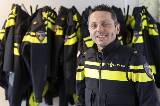 Politieagent Johan Dubbeldam gaat van Katwijk naar Haarlemmermeer: 'Boeven vangen kan ook op Twitter'