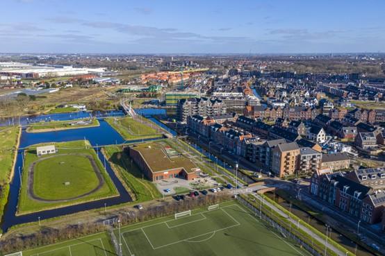 Problemen door populariteit openbaar onderwijs in nieuwe Valkenburgse wijk: 'Onze kinderen worden de dupe'