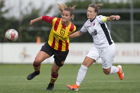 Voetbalsters Ter Leede geven FC Rijnvogels les
