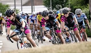 Wielermanager Hans Blom gelooft in de liefde voor de koers en hoopt dat kleinere ploegen toch een mooi programma kunnen rijden